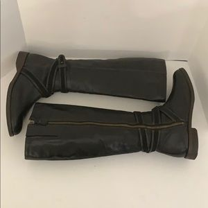 Cole Haan Shoes - Auth Cole Haan tall black leather riding boots 8.5